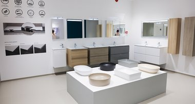 rak-ceramics-showroom-interior-sanitaryware