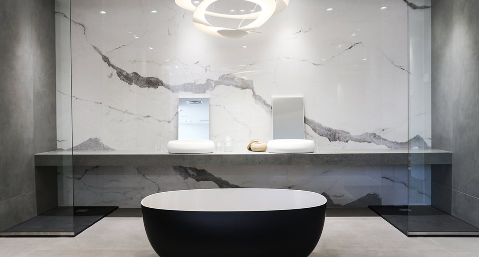 rak-ceramics-showroom-interior-bathroom
